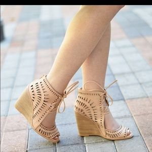 Jeffrey Campbell Nude Wedges size 8